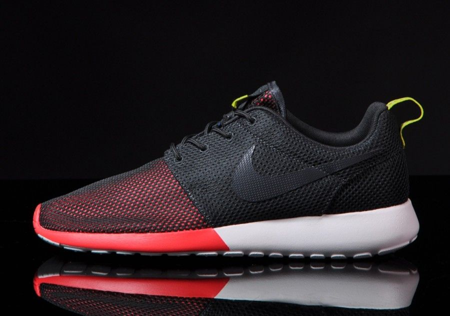 pretty nice bd7ee fecc1 Nike Roshe Run