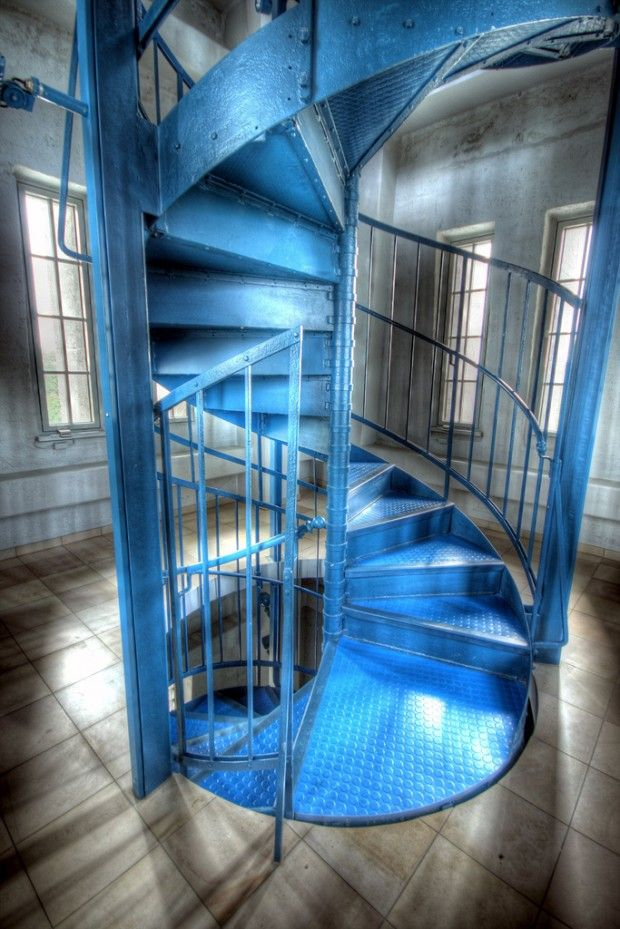 Best Cool Photo Locations As Simple As A Staircase Spiral 400 x 300