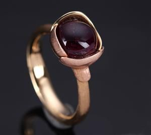 Ole Lynggaard 'Lotus' Ring 18k Red Gold Cabochon-Cut Red Tourmaline.......