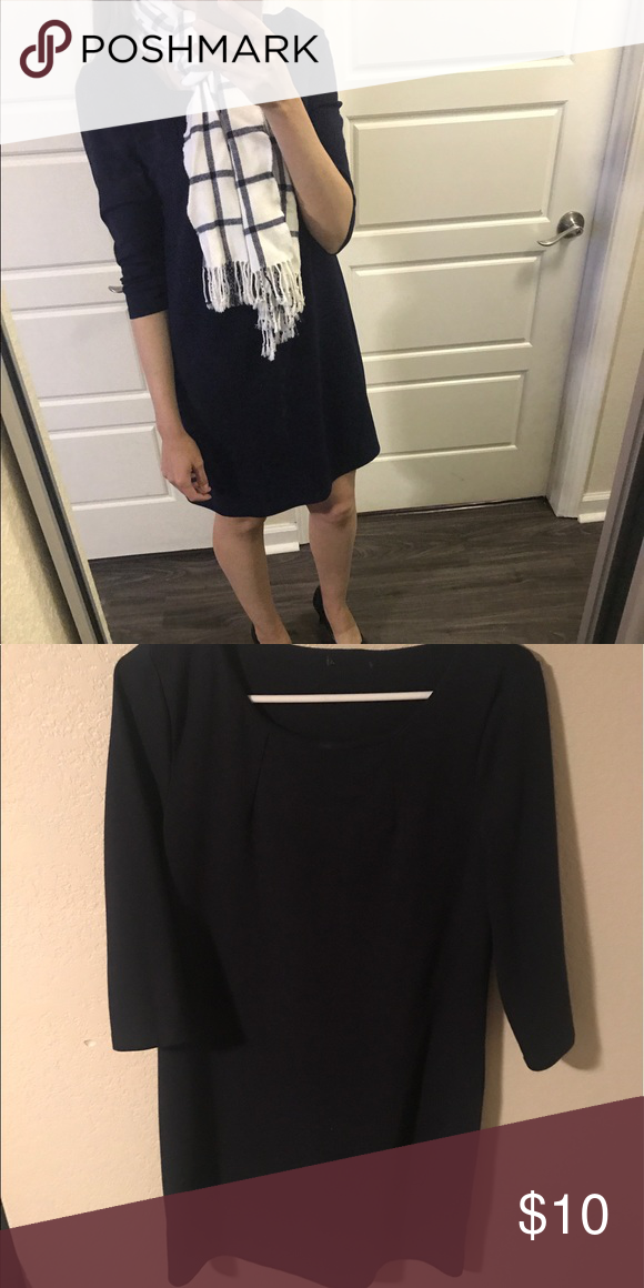 Blue long sleeve dress Blue long sleeve dress that works great for work! Dresses Long Sleeve