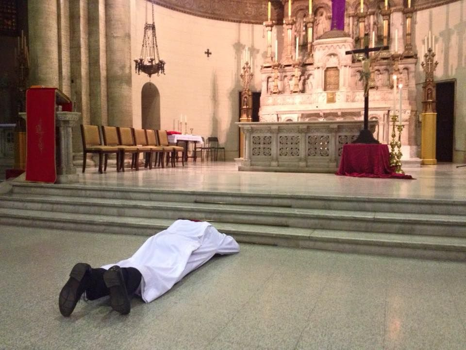 Paulist Fr Stephen Bossi Lies Prostrate Before The Altar At The Beginning Of The Good Friday Liturgy For The American Catho American Catholic Catholic Liturgy