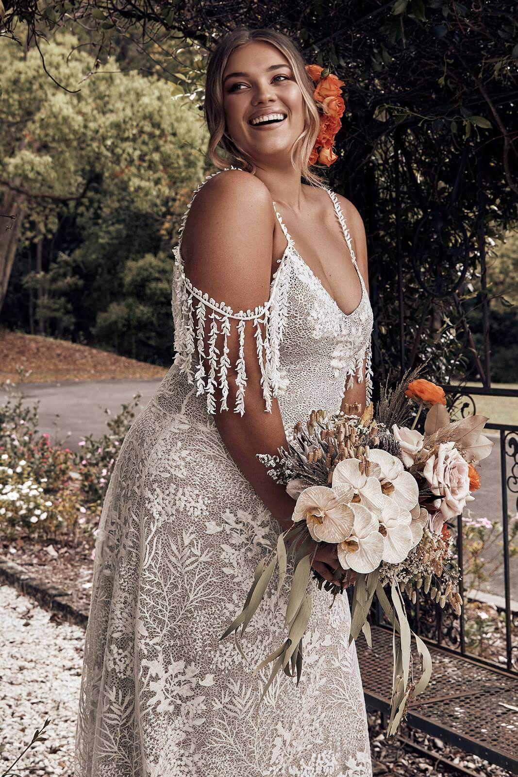 18+ Plus Size Wedding Dresses for Curvy Brides   Curvy Girl ...