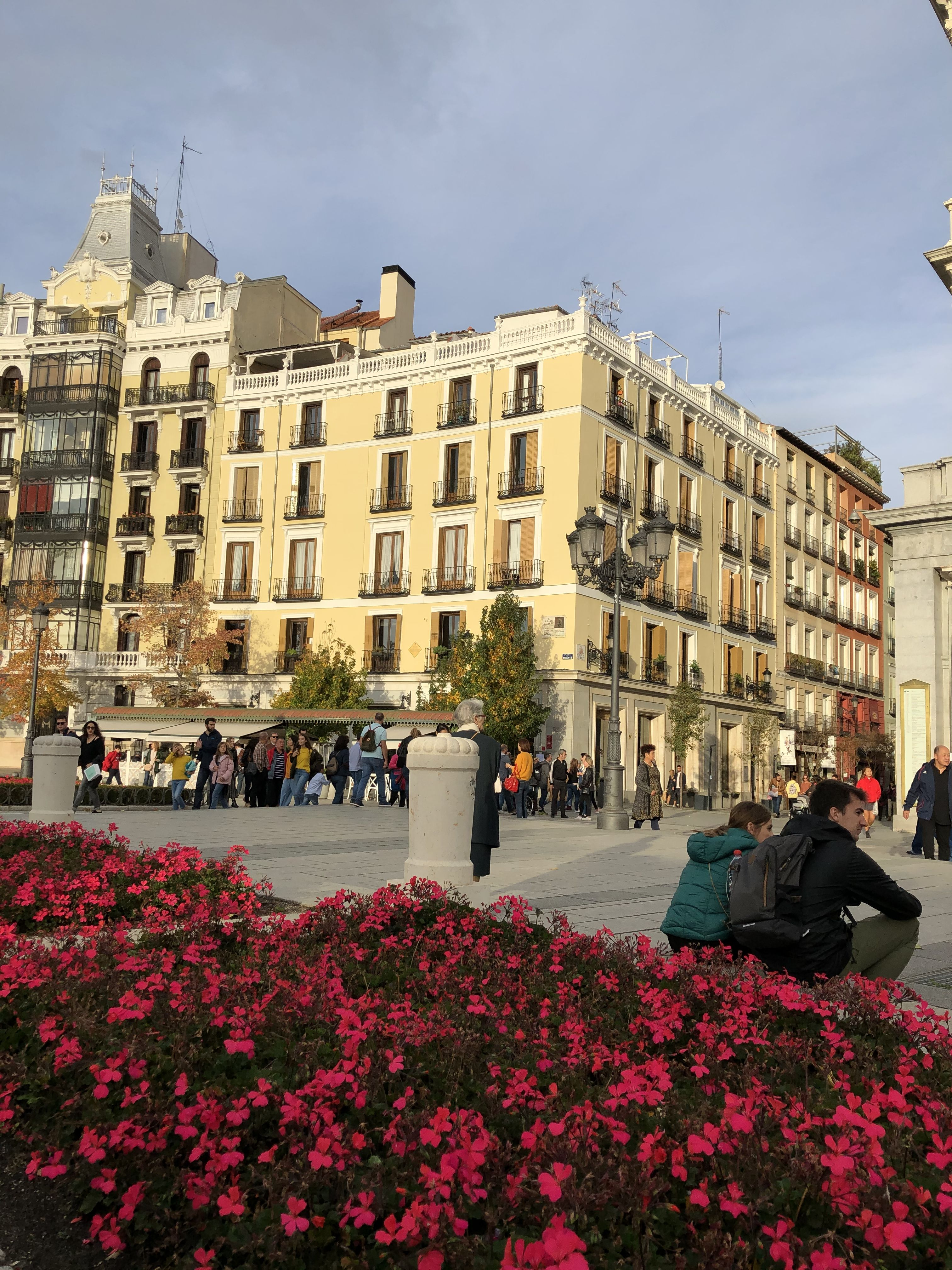 Madrid centre Spain | City apartment, City girl, Apartment ...