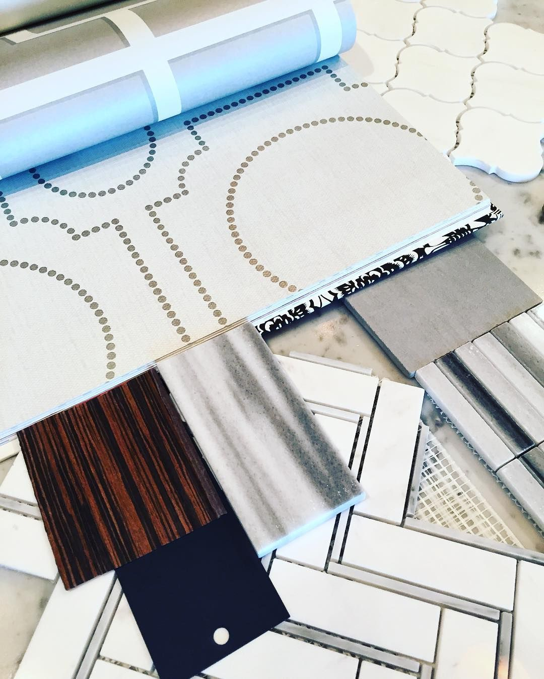 Shades of G R E Y ....or GRAY....  however you put it... We're LOVING this project. ....#instalike #instadesign #interiordesign #design #estudio #interiors #bathroom #evelyneshundesign #richviewproject #torontorealestate #customhomes #designprocess #designerfind #designinterior #instacool #instacool #instadesign #tile #instatile #wallpaper by evelyndesigner