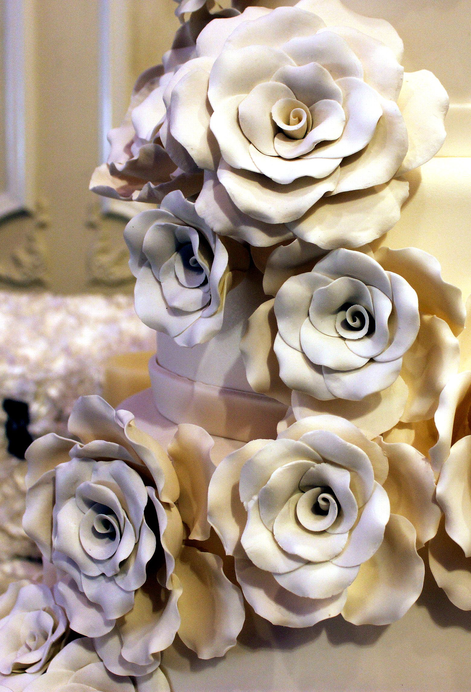 Hand made sugar roses royal cakes royalcakesla cakes