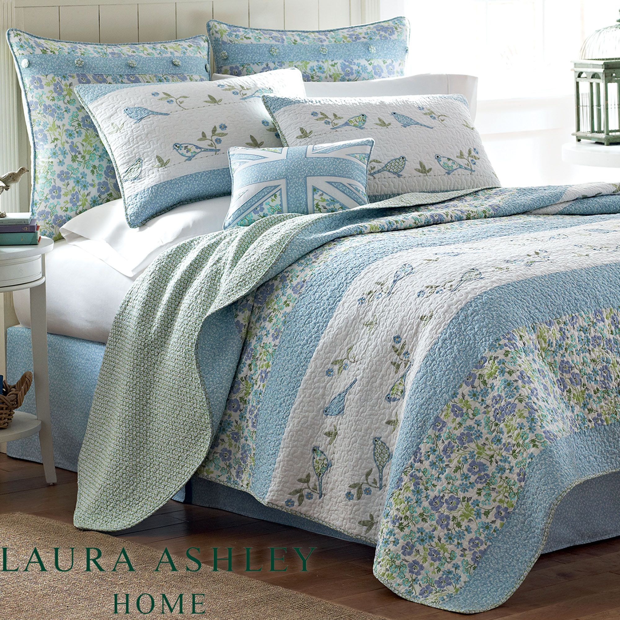 light quilt blue blooming floral magnolia p