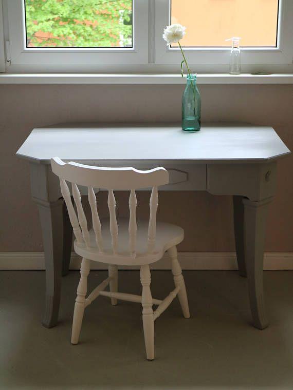Vintage Landhaustisch In Grauer Kreidefarbe Skandinavisches Design Kreidefarbe