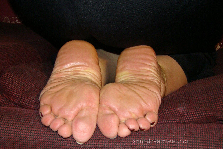 Mature Foot 11