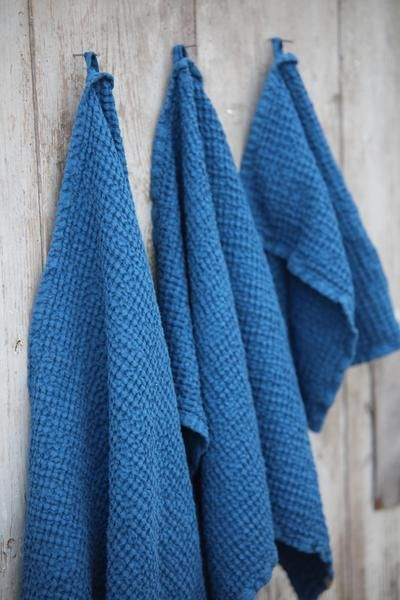 Diy Color Coded Towels With Images Towel Organization Large
