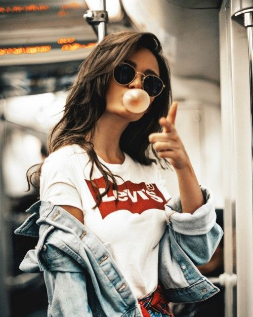 Camiseta da Levi's - Looks Para Copiar Já - #Camiseta #Copiar #da #girl #ja #Levis #para #trendystreetstyle