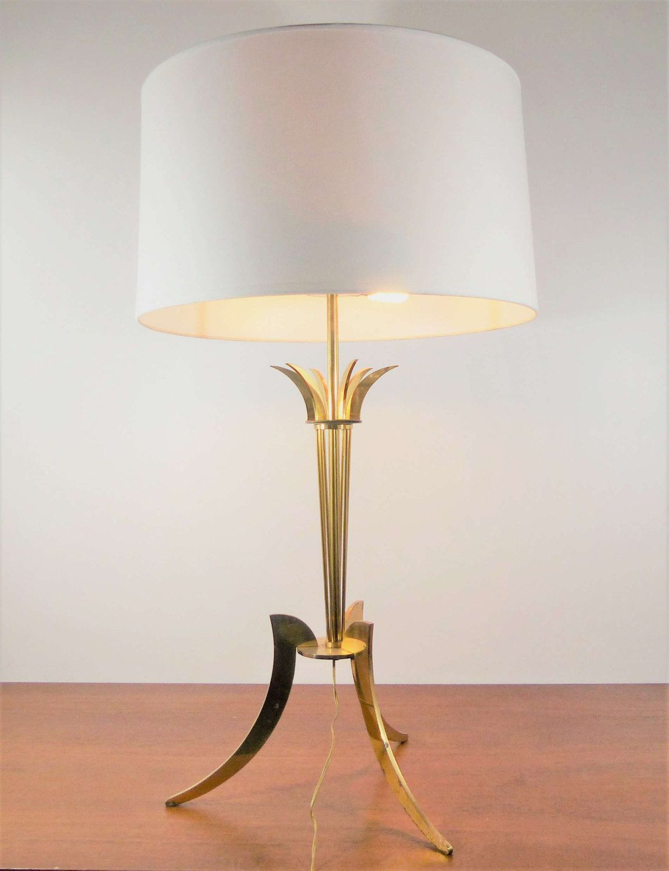 Grande lampe de table tripode en laiton doré 1960 – Hollywood ...