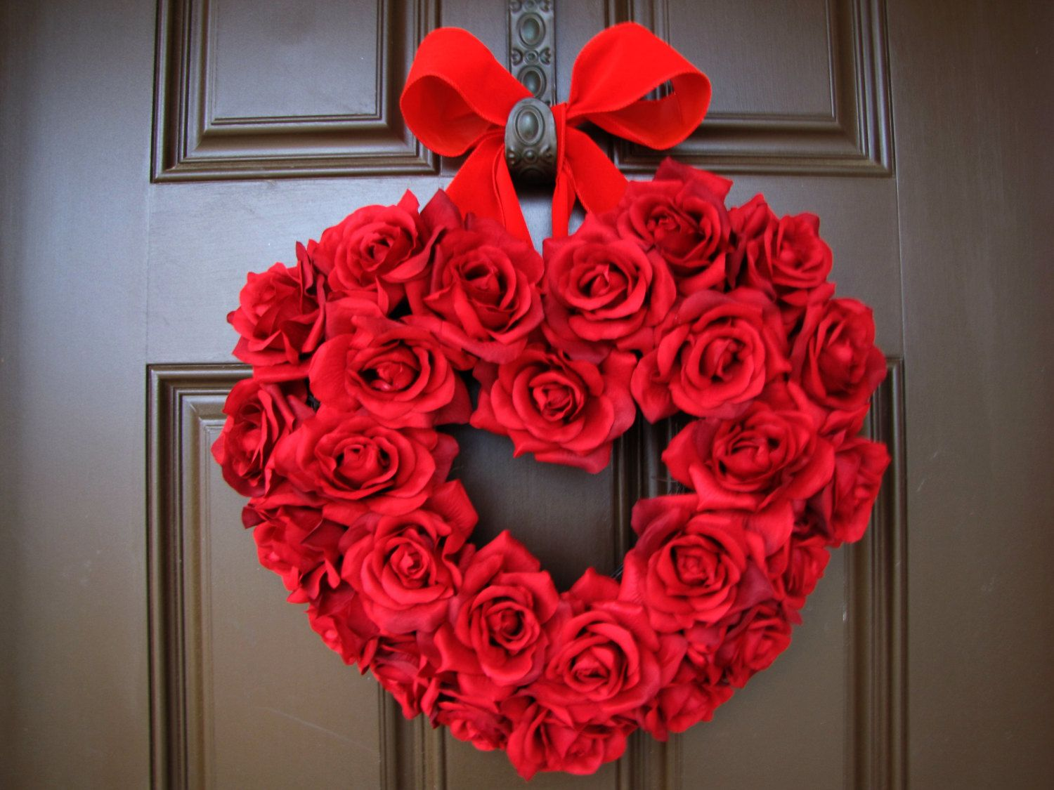 Fascinating valentine door wreath pictures best inspiration home valentine s day red roses heart wreath with red by thewrightwreath rubansaba