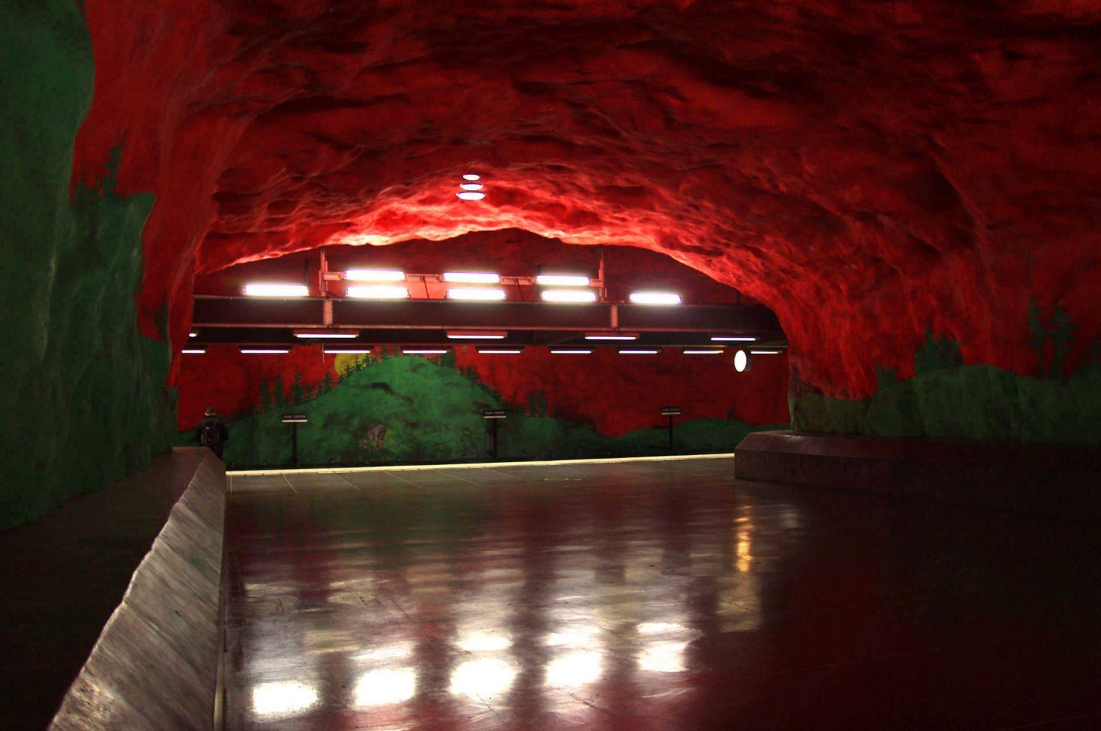 Anders Aberg y Karl-Olov Björk.Estación central del metro Solna, Estcolmo, Suecia