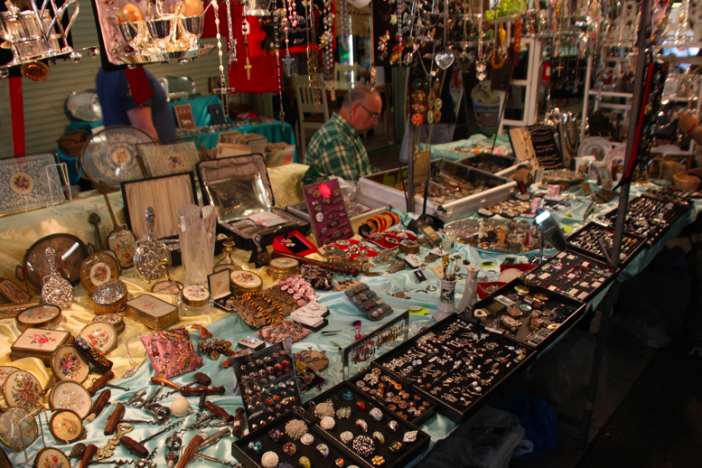 05d589c71c Covent Garden Antique Market Stall Mondays at the Apple Market  10 00am-6 00pm and Jubilee Hall Market Mon 5 00am-6 00pm