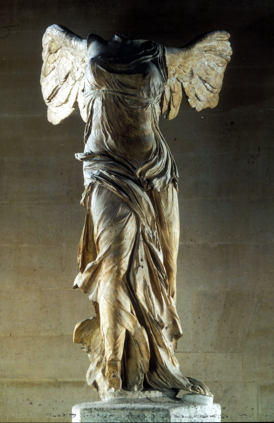 Nike of Samothrace (Winged Victory) Lysippos Marble c. 200 B.C.E. Musée du  Louvre