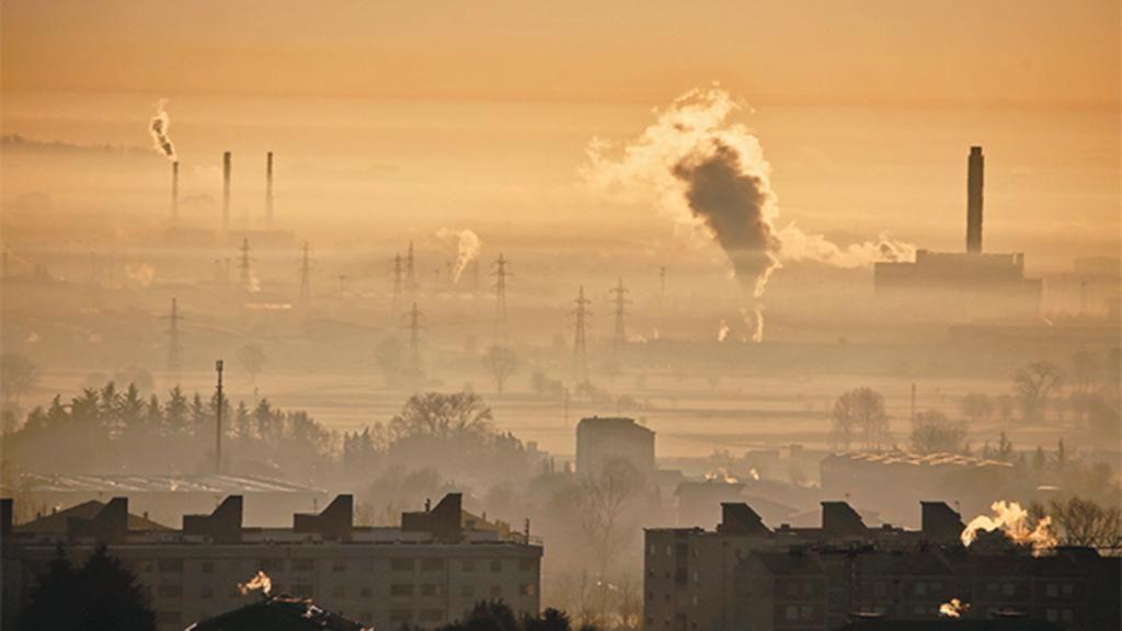 A un anno dall'emergenza polveri sottili nelle grandi città, governo e sindaci sono rimasti a guardare. Ma lo stesso fanno i cittadini, che invece di investire per risparmiare soldi e salute preferiscono lamentarsi. E tra poche settimane si ricomincia con l'allarme inquinamento...