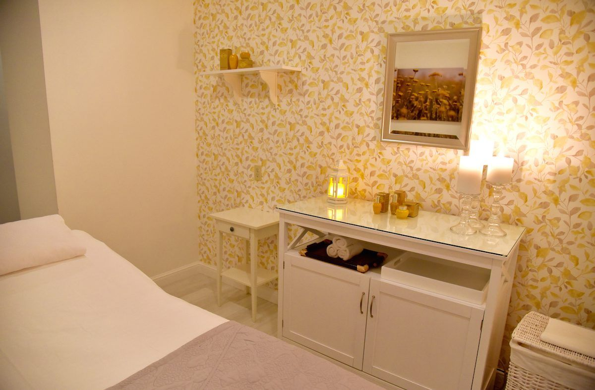 Loccitane-RitzSF-Treatment-Room-1200x787.jpg (1200×787)