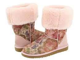 Turned down Ugs  If they had a shoe anthem for Carmel, this