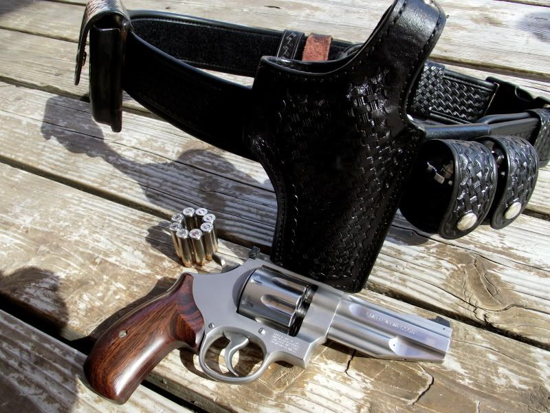 Pin on Double Action Revolver Holster