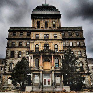 Abandoned Greystone Psychiatric Hospital in New Jersey. Photo by Robert WirthBeautiful Abandoned Places @itsabandoned — 1412630027