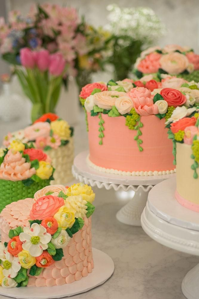 15 Cake Decorating Classes Online To Take Now Cake Decorating Classes Cake Decorating White Flower Cake Shoppe