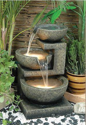 Chic Outdoor Water Features Decorating Diva Fuentes Para Jardin Fuentes De Agua De Jardin Fuentes De Agua