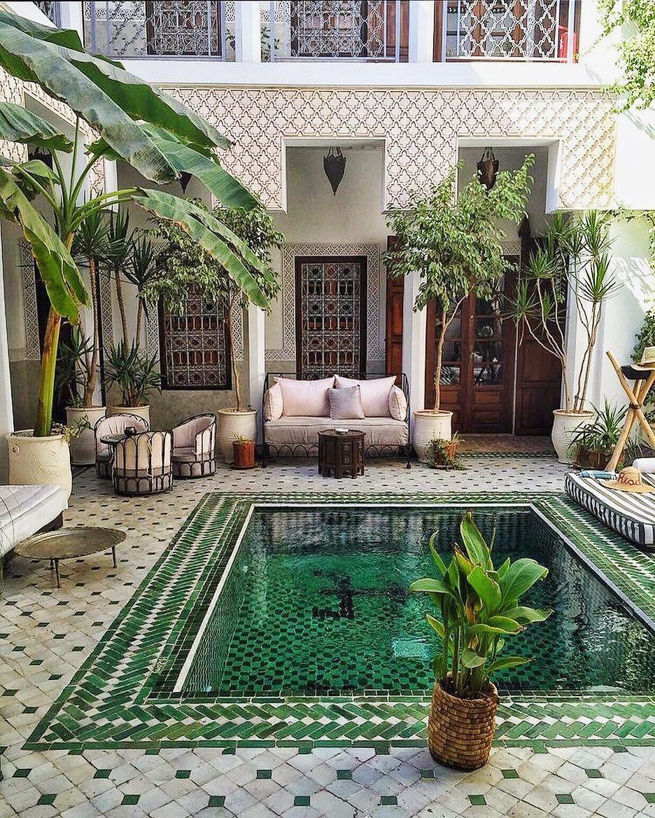 Je Vous Souhaite Un Merveilleux Week End Instagram On Aimerait Tous Le Passer Dans Ce Genre D Endroit N Est Ce Pas Maison Maroc Le Riad Idees De Patio