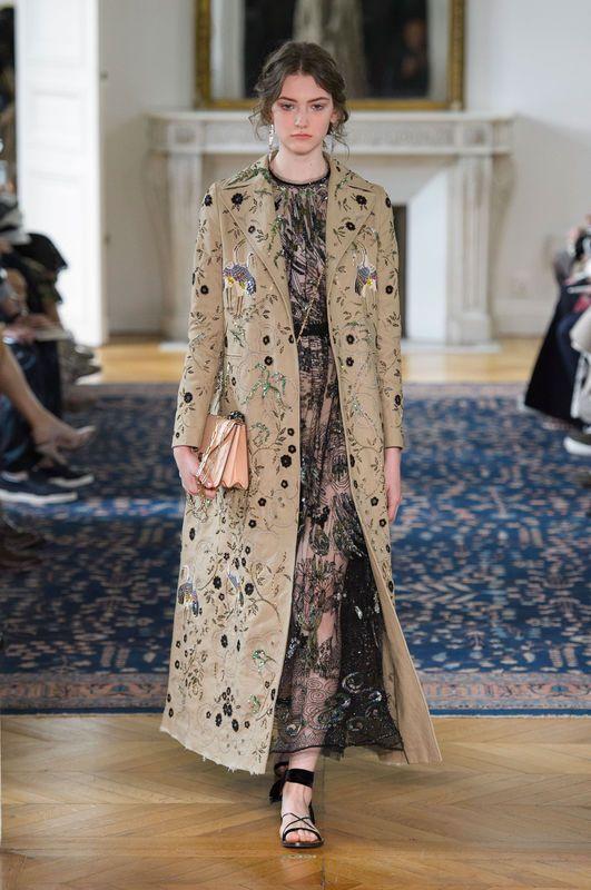 Valentino Wiosna Lato 2017 Stile Di Moda Paris Fashion Week Settimana Della Moda