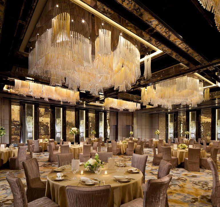 Luxury Wedding Venue Plans: Ballroom Wedding Banquet At