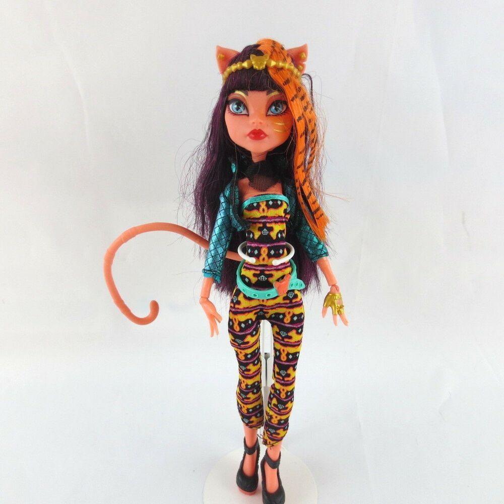 узкие картинки кукол монстр хай кукла под горы кошка масло полностью