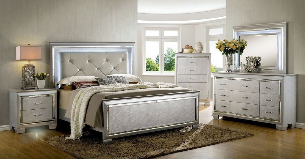 Veronica Silver Bedroom Collection en 2020 Chambre d