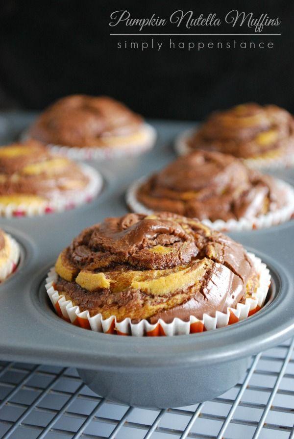 Pumpkin Nutella Muffins // Simply Happenstance  #pumpkin #nutella #muffins #fall #autumn #baking #recipes #pumpkinnutella #simplyhappenstance