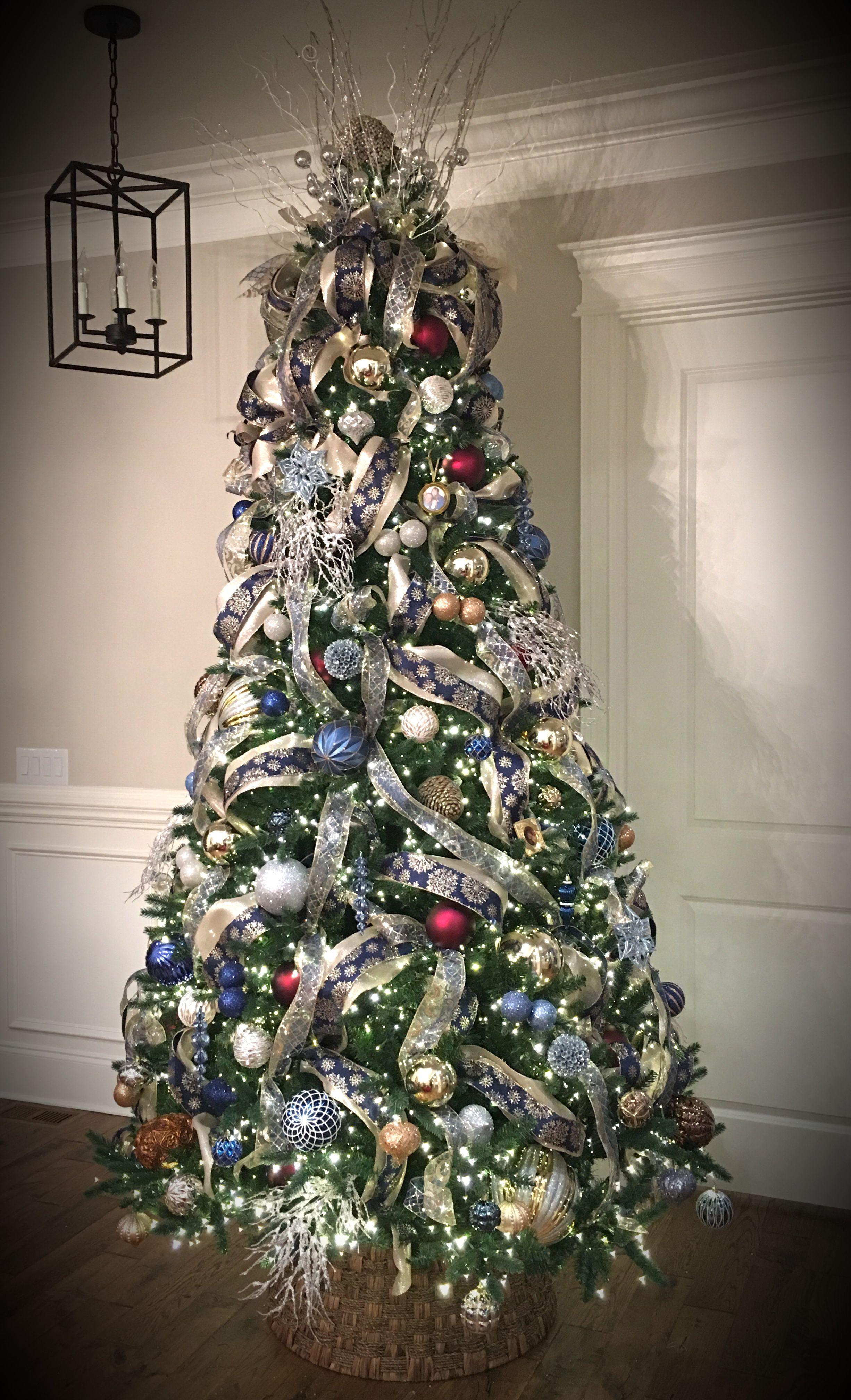 Santa's Best Christmas tree 9'. White lights on champagne