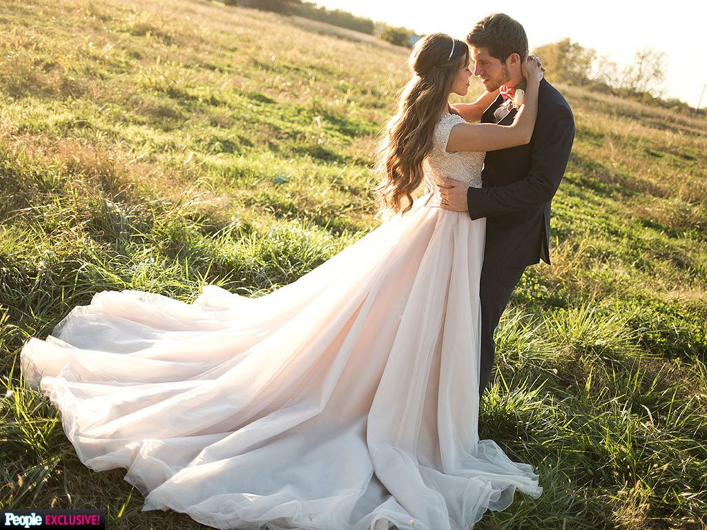 Perfect When Ben Seewald Saw Jessa Duggar in Her Wedding Dress u and More Intimate Duggar Wedding Moments