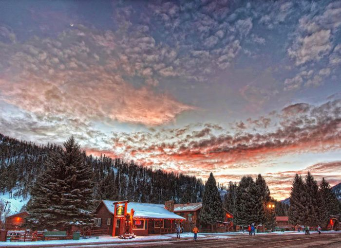 You'll Want To Visit The Snowiest Town In New Mexico This