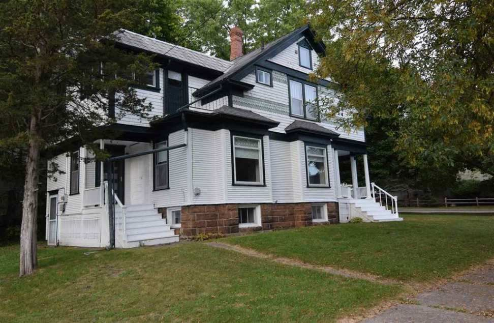 1908 Queen Anne Reedsburg Wi 164 900 Old House Dreams