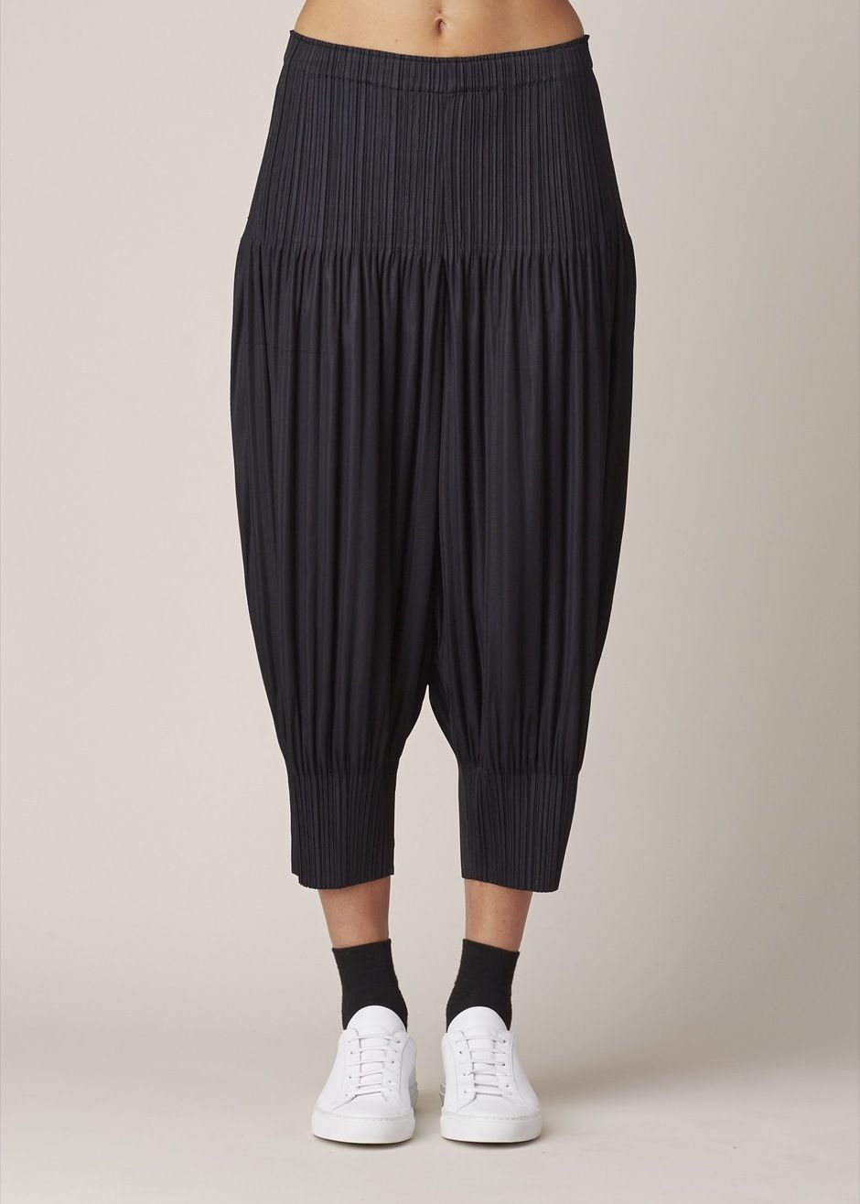 Issey Miyake PLEATS PLEASE Pull-On Jogger Pant (Black)