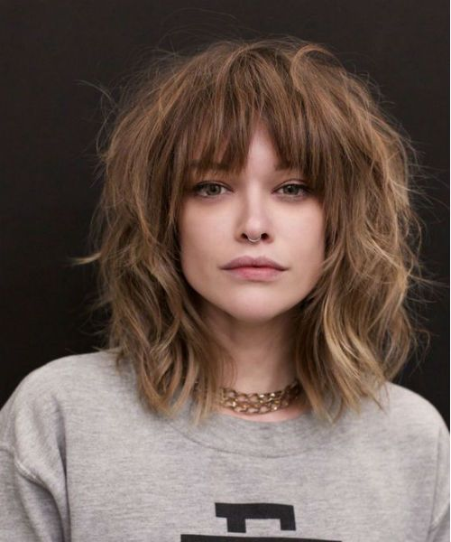 Modern Shoulder Length Messy Haircut Styles With Bangs For Women To Reach Perfection Hair Styles Thick Hair Styles Medium Hair Styles