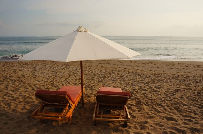 No crowd nor hawkers. It is nearly feels like blessing to find such a virgin beach  near Bali's fully crowded area. Phot...