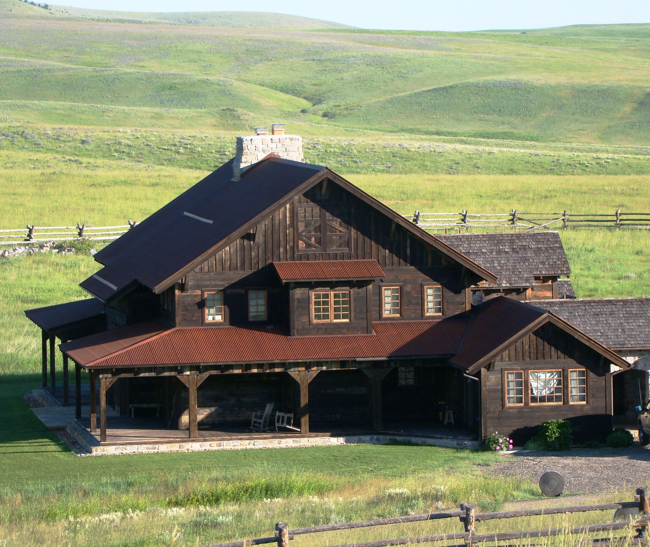 Beautiful montana home on ted turner 39 s flying d ranch for Montana ranch house