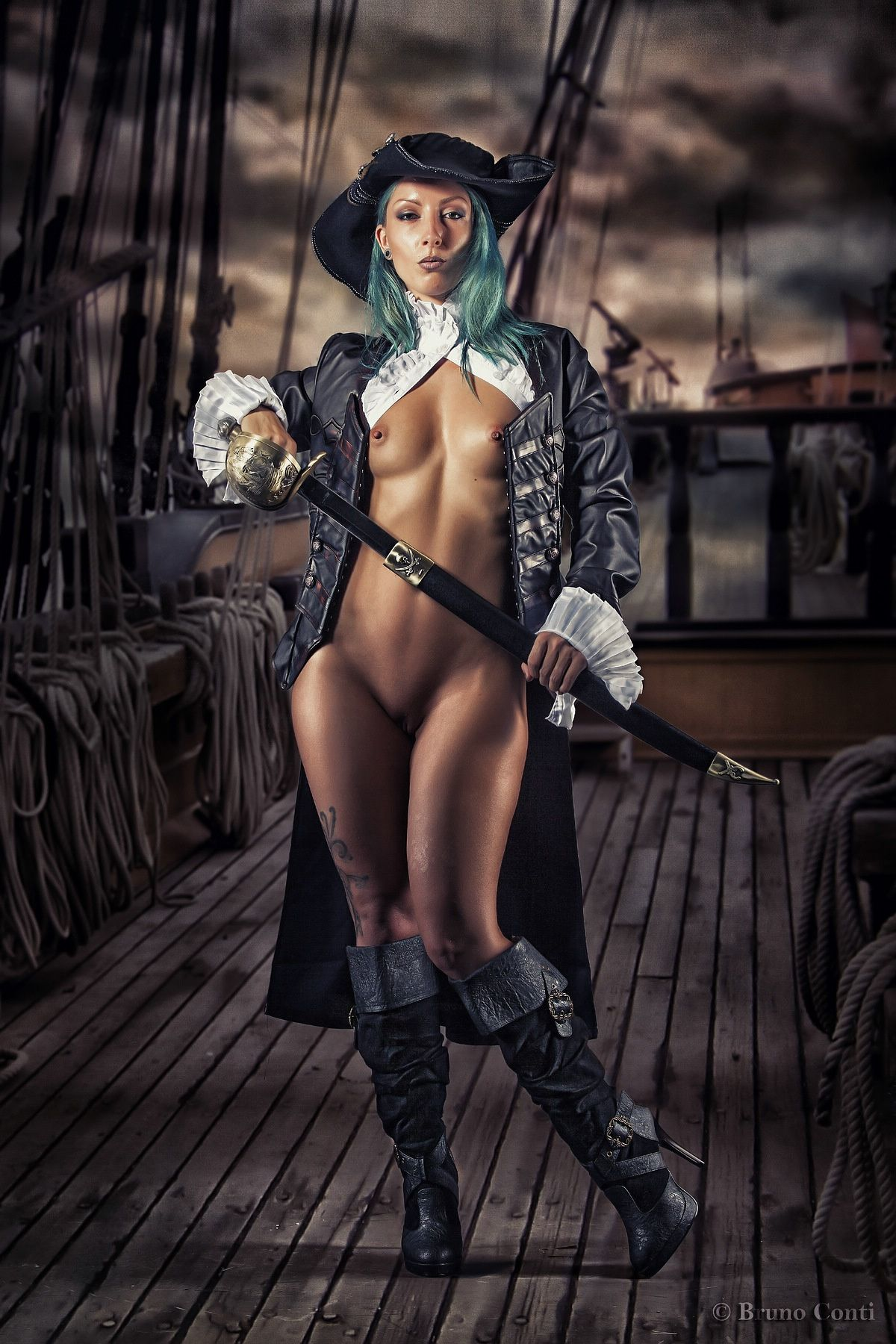 Naked pirate pictures