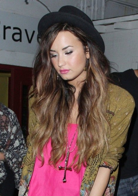 Demi Lovato Hairstyle - Find the most recent hairstyles images ...