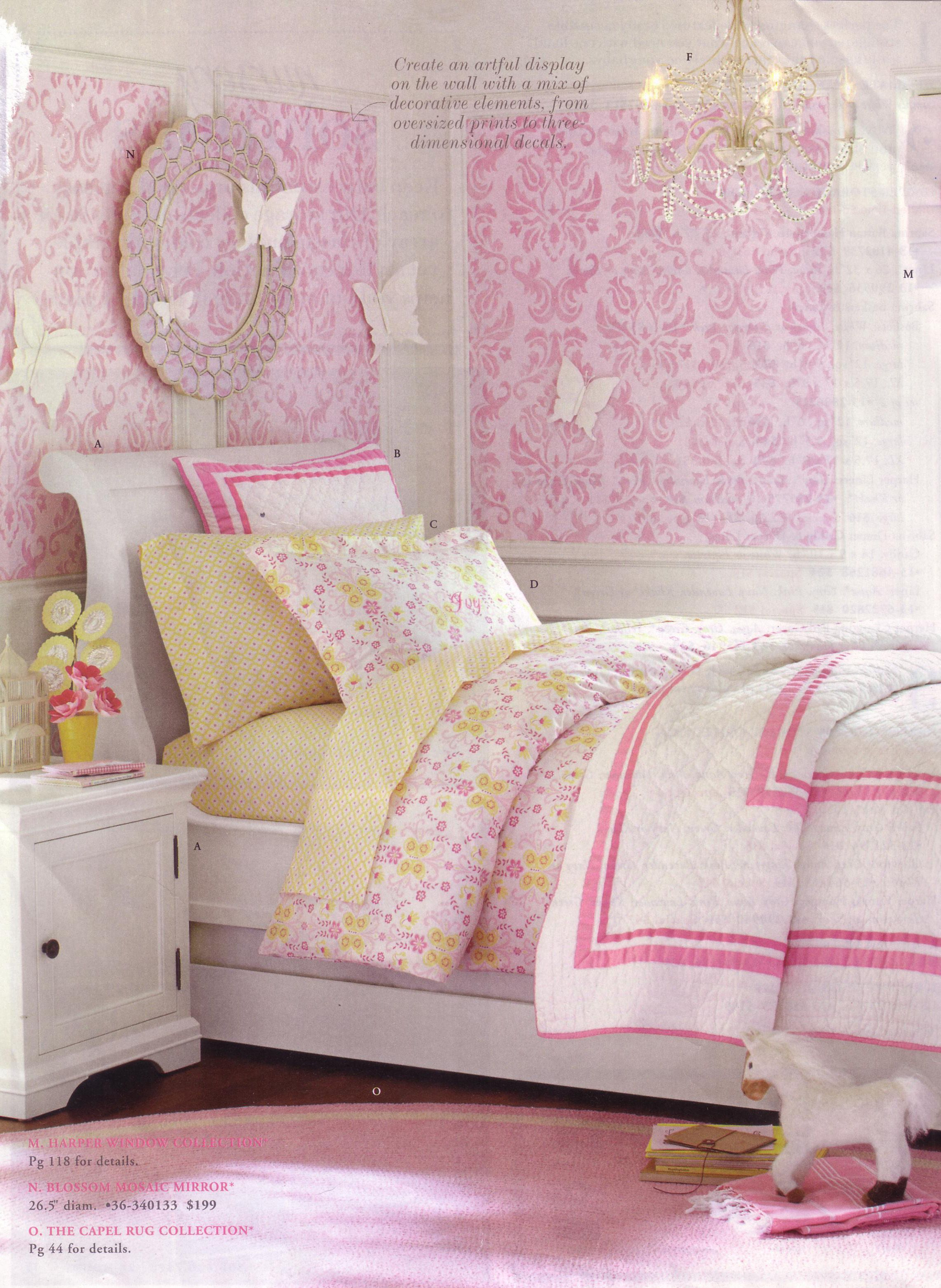 Love pop of pink damask wallpaper Girls bedroom, Girl