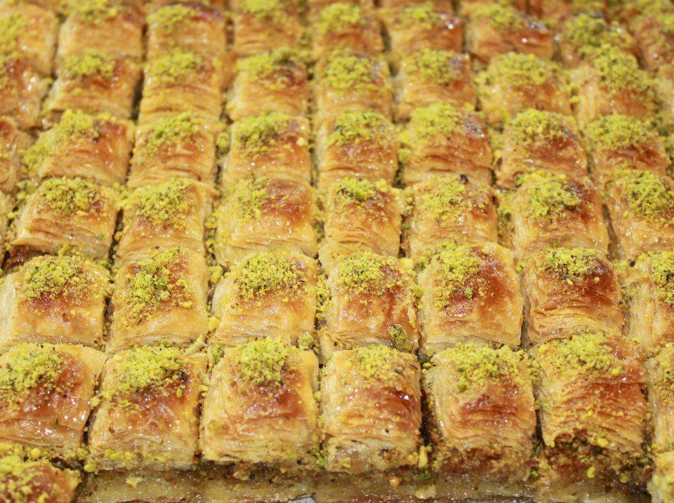 Now In Egypt The Best Turkish Desserts Ba2lawa الأن أحلى حلويات تركيا في مصر البقلاوة Www Facebook Com Alturkey Egypt Vegetables Food Zucchini