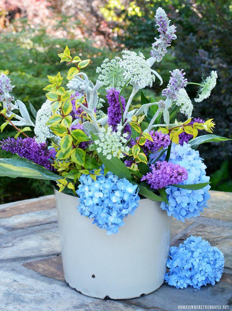 Flower Therapy Easy Garden Flower Arrangement And Method Flower Arrangements Flower Therapy Easy Garden