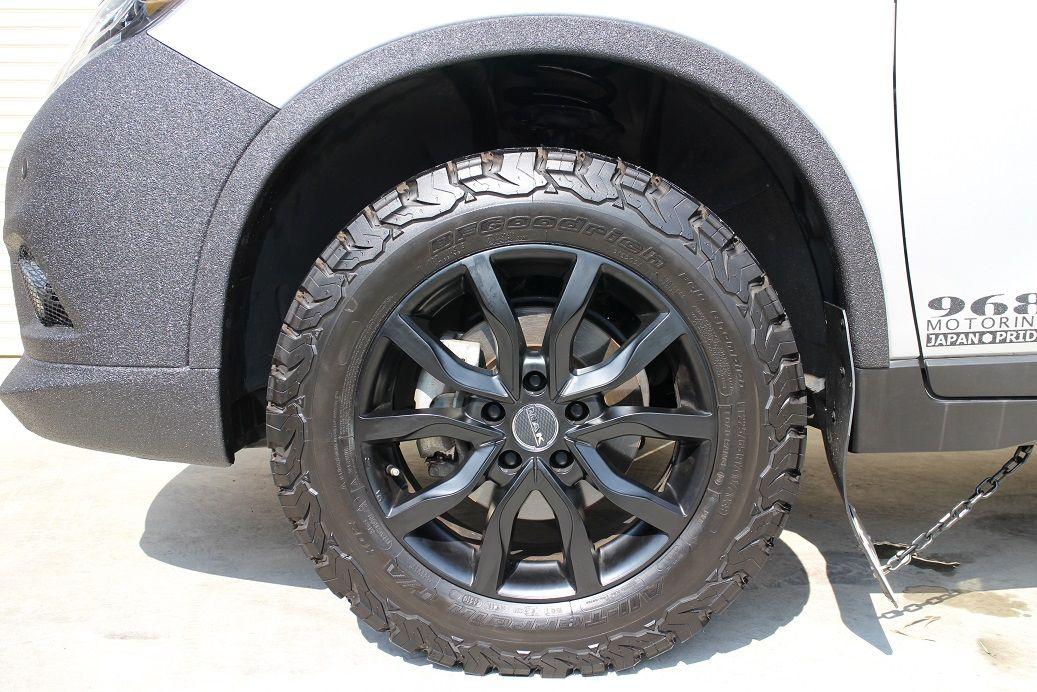 エクストレイル フェンダーアーチ オーバーフェンダー風マットブラック塗り分けline X ラインx 塗装カスタム エクストレイル マットブラック カスタムカー