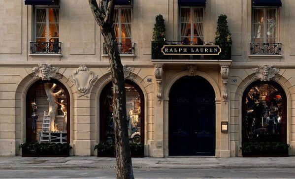 410d23d937a0 Boutique Ralph Lauren au coeur de Saint-Germain-des-Prés La boutique occupe  l intégralité d un superbe hôtel particulier du XVIIIème siècle.