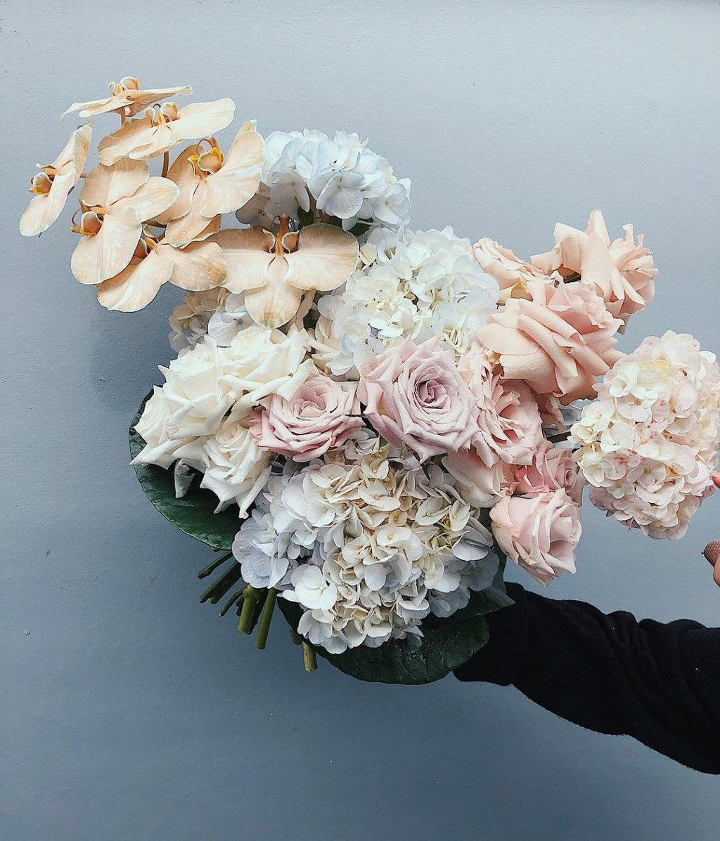 The 7 Floral Trends for Summer Weddings Wedding flowers