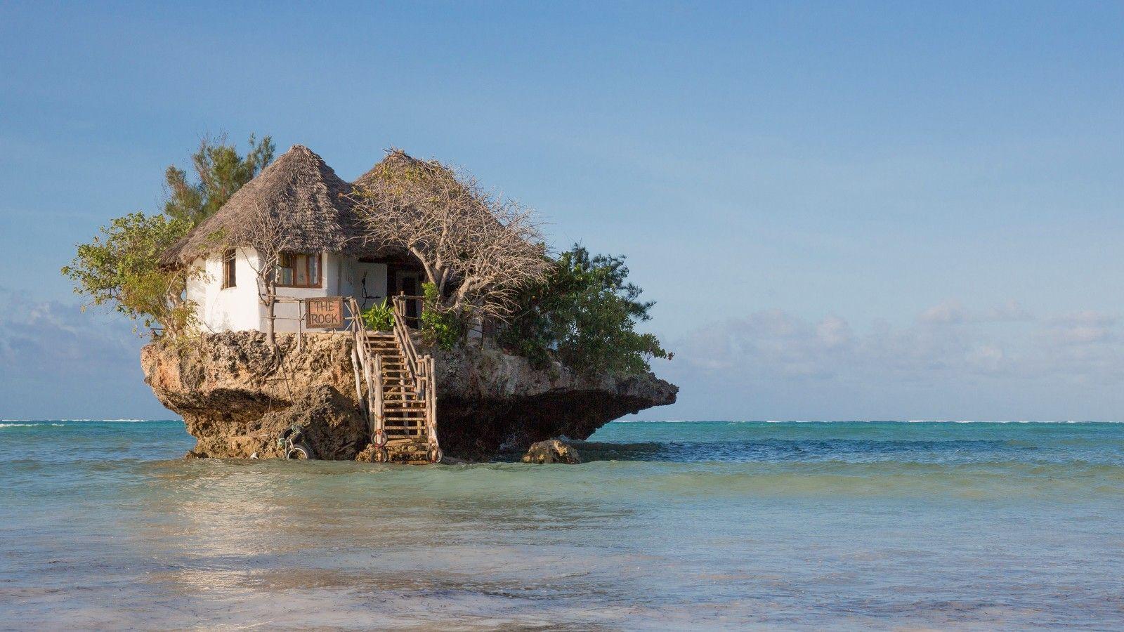 Ресторан The Rock в Индийском океане