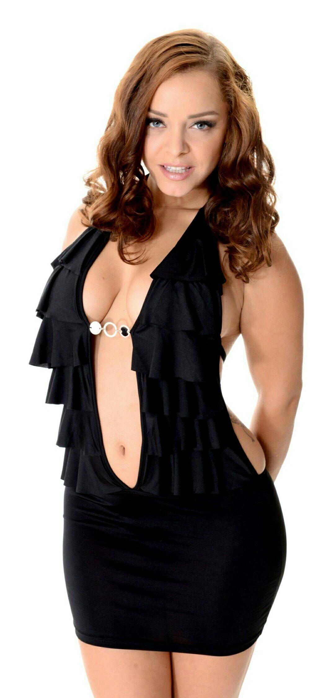 Liza Del Sierra Nude Photos 4
